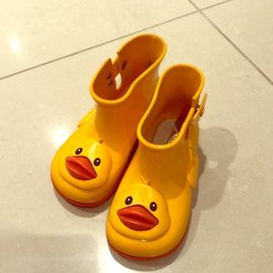 Mini Melissa rubber duckie booties
